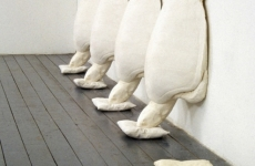 FLYING BUTTRESS_______plaster, cotton pillows / 300x60x24 cm /1991